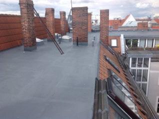 Frisch saniertes Flachdach in Berlin
